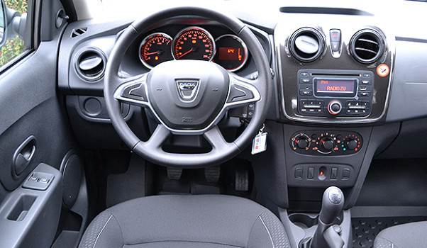 dacia-sandero-sl-plus-2017-interior